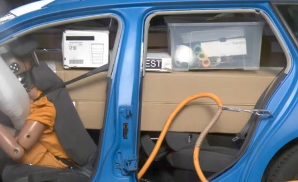 салон авто после аварии