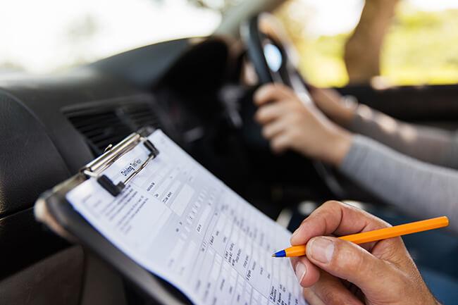 сдача экзамена по вождению